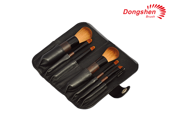 7pcs makeup travel brush set with case