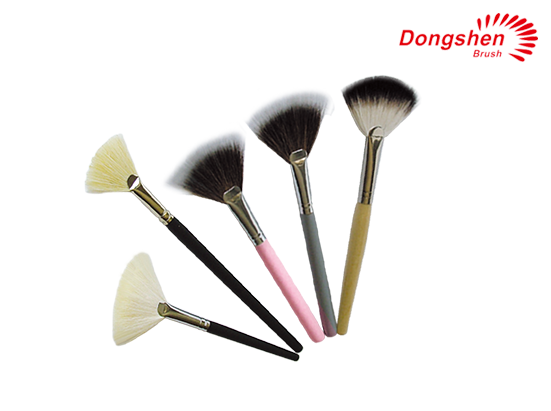 Synthetic Hair Wooden handle Fan Brush