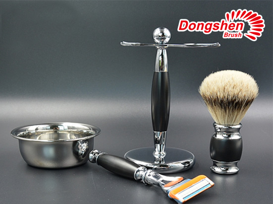 Silvertip badger hair metal shaving brush set